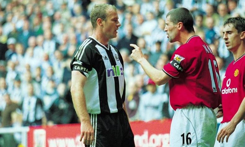 Shearer (trái) va chạm với Keane nhiều lần khi cả hai còn là cầu thủ. Ảnh: Allsport.