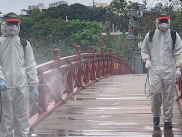 Dịch Covid-19 tại Hà Nội: Nhiều di tích tạm dừng đón khách, phun khử trùng